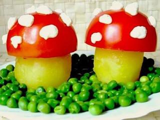 Setas de patata y tomate