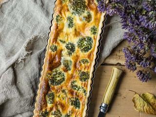 Quiche de brócoli y queso tetilla.