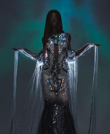 Metah gown