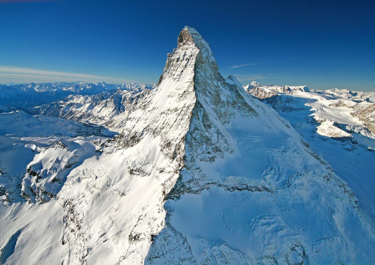 Matterhorn-Schweiz-Basilisk-Swiss-Mounta