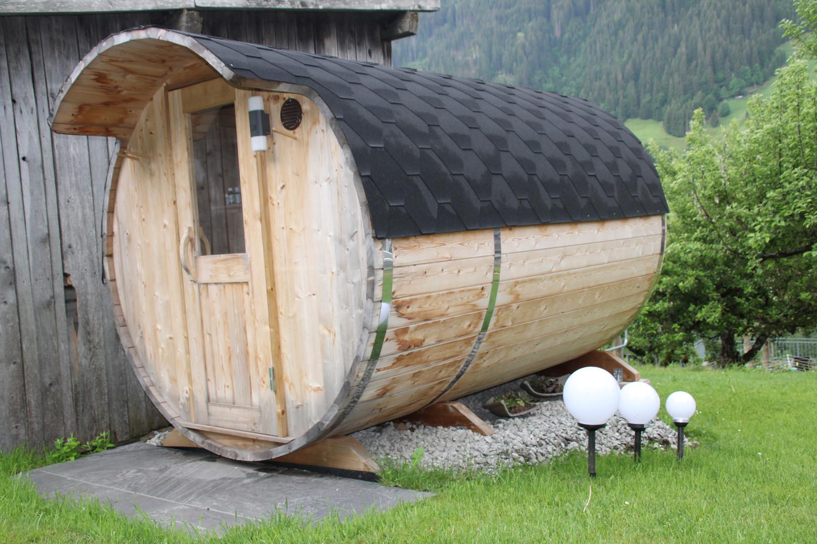Außenansicht Sauna Sommer.JPG