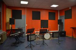 Salle Guitare et jeux en groupe