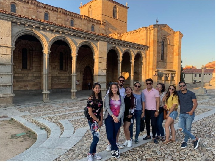 Domingo García y a la Iglesia Santa María la Real de Nieva