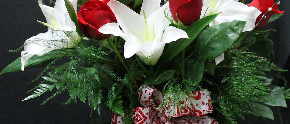 Dozen Roses with Lily Accent