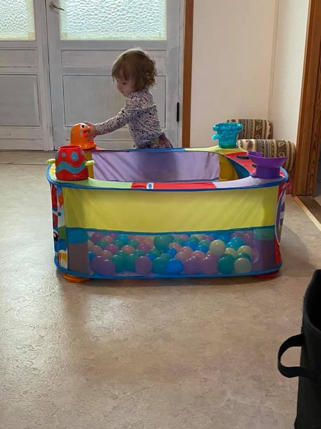Boldbadet er sjovt og har hjørner med mange muligheder.