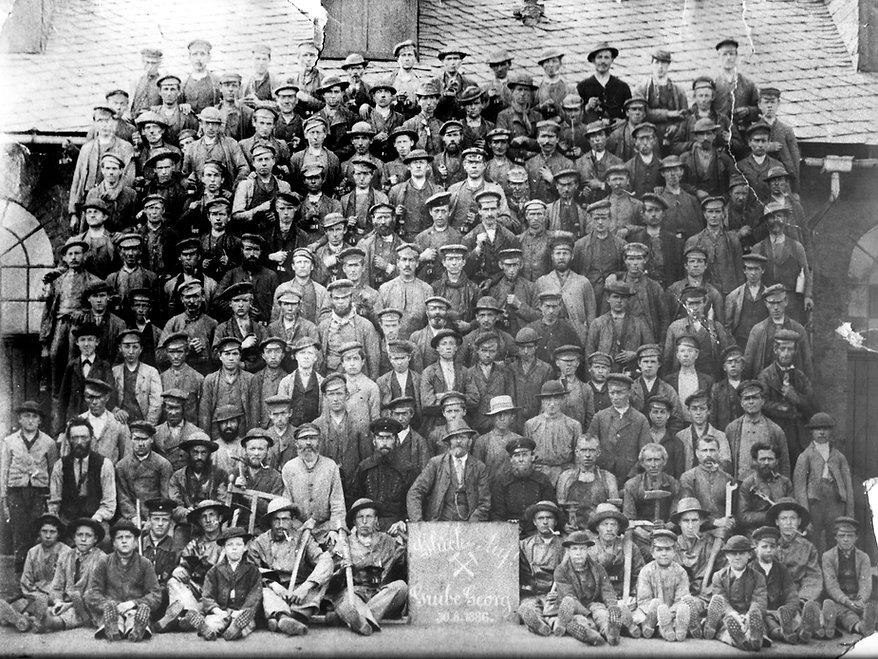 1886 Belegschaft.jpg