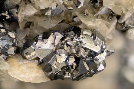 Tetraedrit Ameise BB 6 mm Matthias Reinhardt 23-26-39 Foto Reinhardt.jpg
