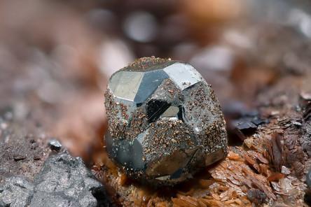 Tetraedrit Fürst Moritz BB 4 mm Henrich 18-44-26 Reinhardt.jpg