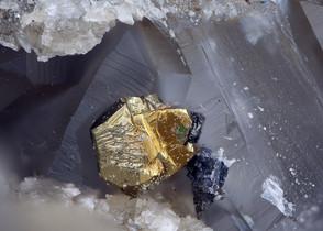 Chalkopyrit Prinz Friedrich BB 1,5 mm Reinhardt 22-12-23 Reinhardt.jpg