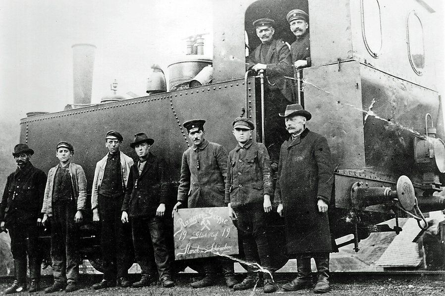 Bahnpersonal 1919.jpg