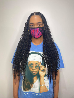 Large size knotless box braids with curls