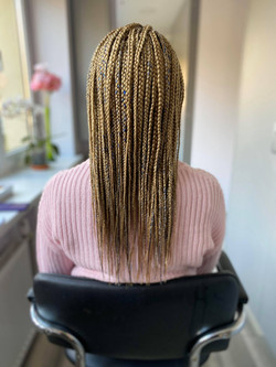 Small size mid to back box braids