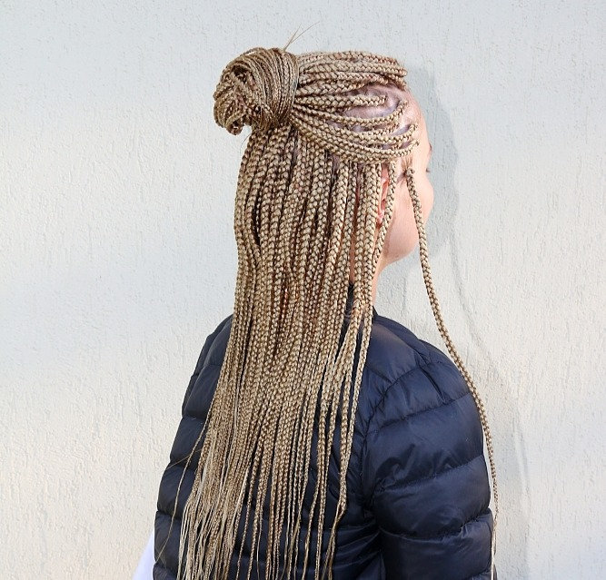 To mid of back small sized box braids