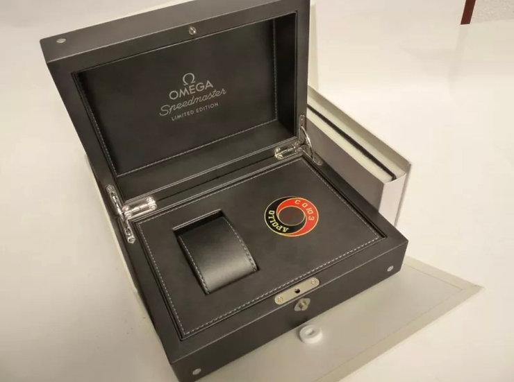 Omega Speedmaster Apollo Soyuz 35th Anniversary Box