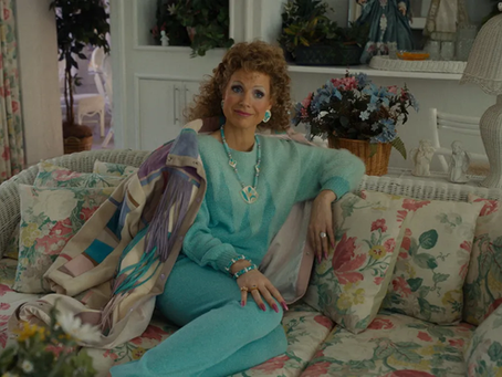 Review: Jessica Chastain Brings a Sparkle to 'The Eyes of Tammy Faye'