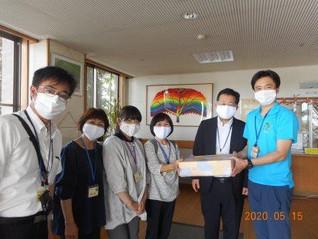 境第一中学校よりマスクの寄贈