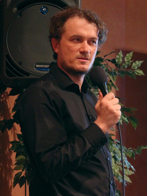 Dr. Dragan Huterer