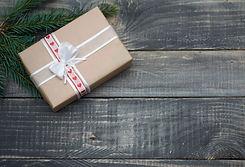 natural-christmas-gifts-on-wood.jpg