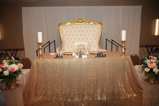 Sweetheart_Table.JPG