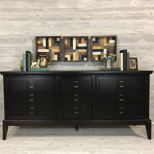 Java 9 Drawer Long Low Dresser