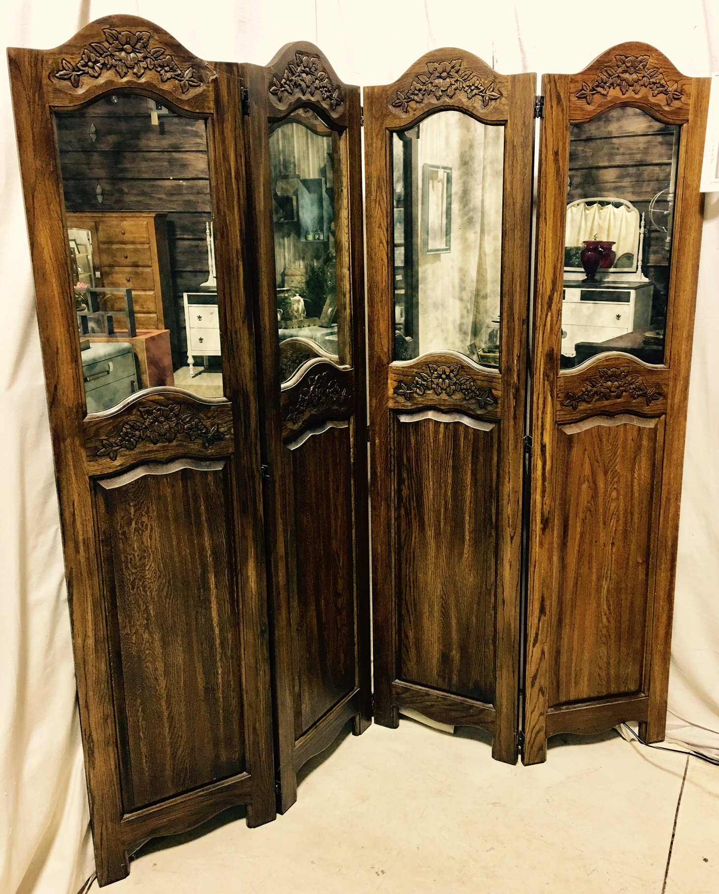 Solid Wood and Mirror Screen