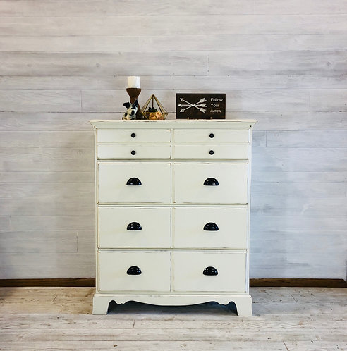 Antique White 4 Drawer Dresser with Cup Pulls