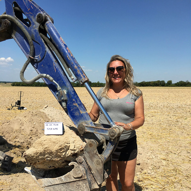 extraction saint aubin sp meteorites.jpg