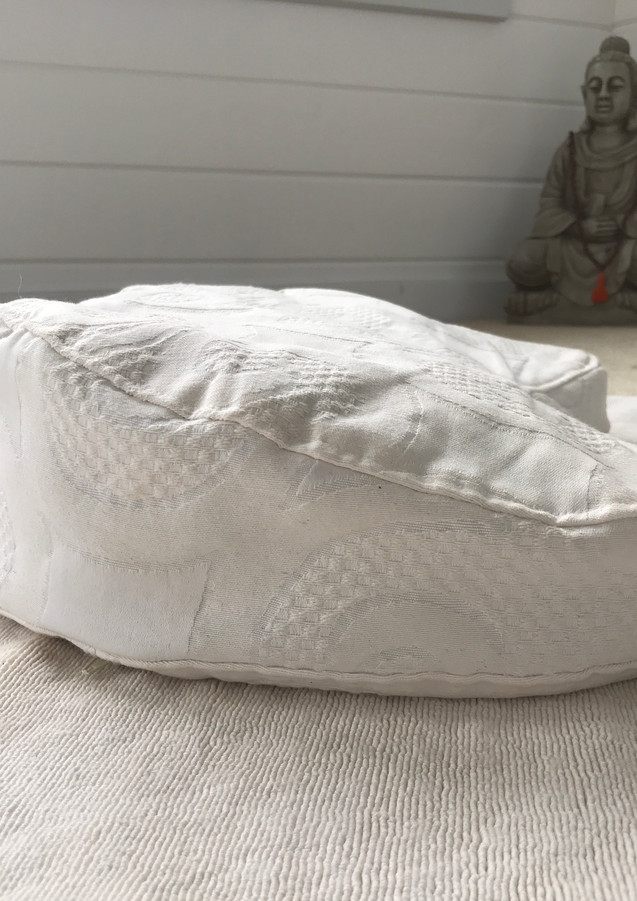 Meditation Cushions by Daya for 3 H Teachings