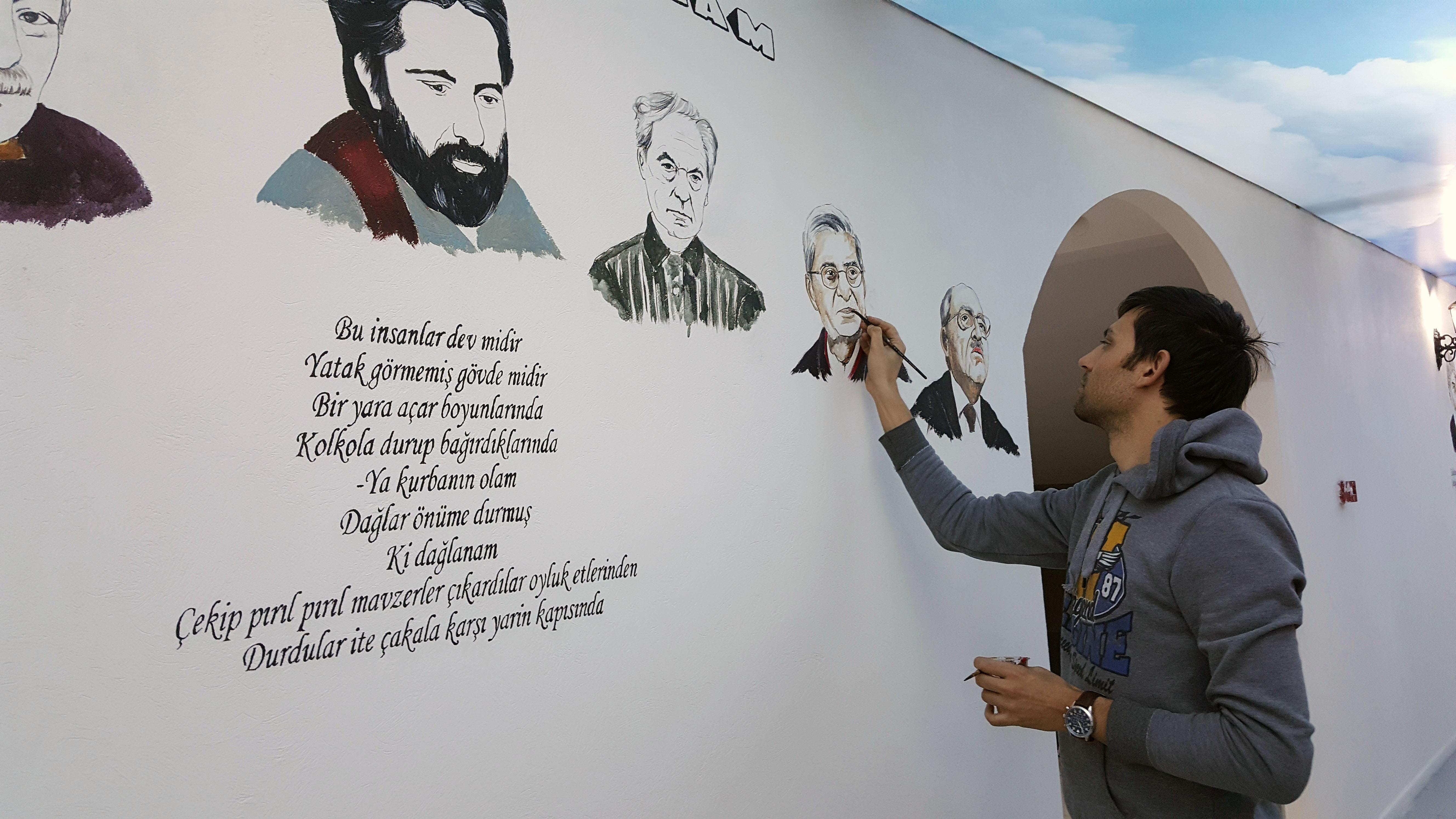 duvar resmi çizim aşaması