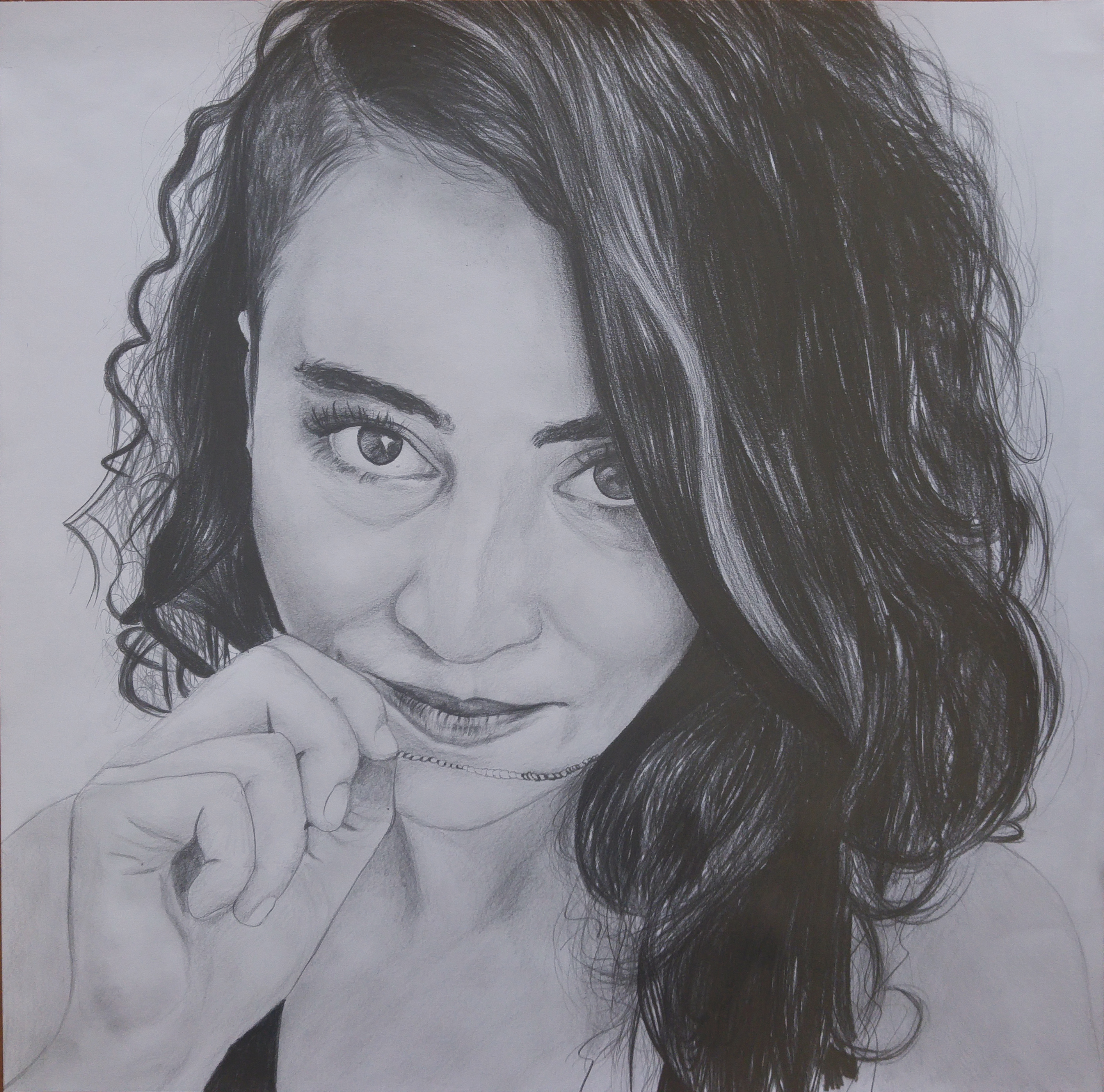 dalgalı saç karakalem portre