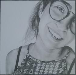 gözlüklü karakalem portre