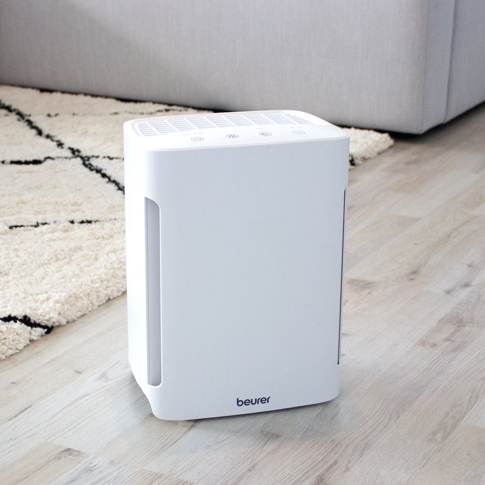Beautiful Beurer air purifier HEPA technology. Small and portable device that can remove harmful air particles, viral loads and unpleasant odors for up to 4320 hours.