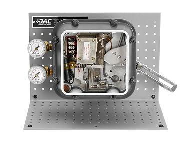 Control Valve Positioner Cutaway - Hands