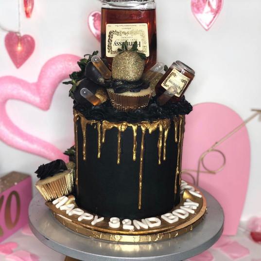 Black & Gold Henny Drip Cake