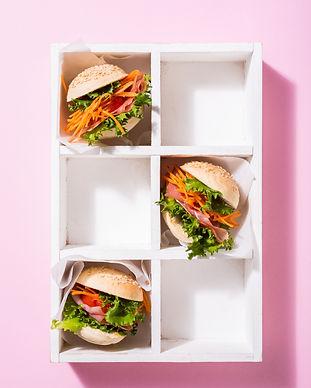 delicious-mini-burgers-YFX549N.jpg