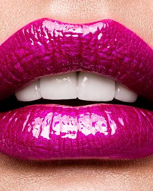 sexy-lips-beauty-pink-lips-makeup-detail