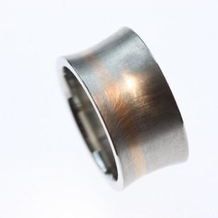 Palladium Ring mit Rotgoldstreifen