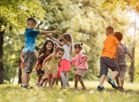 O cuidar, o brincar e o ensinar na infância