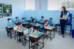 Sala de Aula_professora e alunos