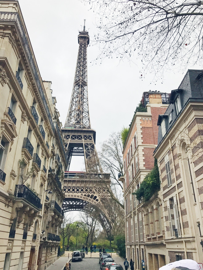 The Quickest and Easiest Way To See Paris, France
