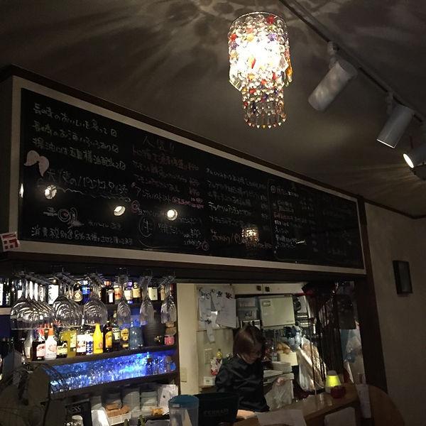 長崎大人の居酒屋、炙バール明の店内の様子