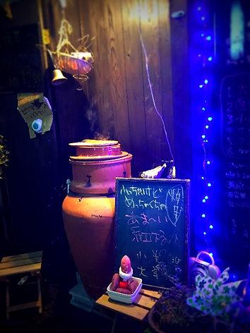 長崎大人の居酒屋、「炙バール明」の店内風景