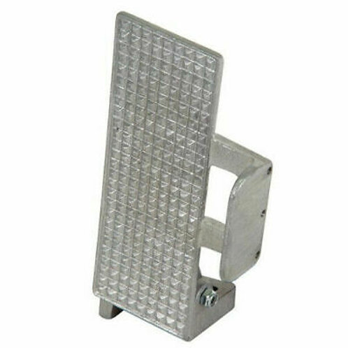 Angled Aluminum accelerator pedal With Foot Brace.