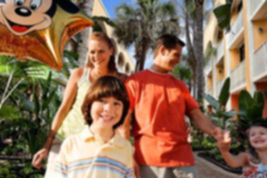 Orlando-family-mom-dad-girl-boy-smiling.