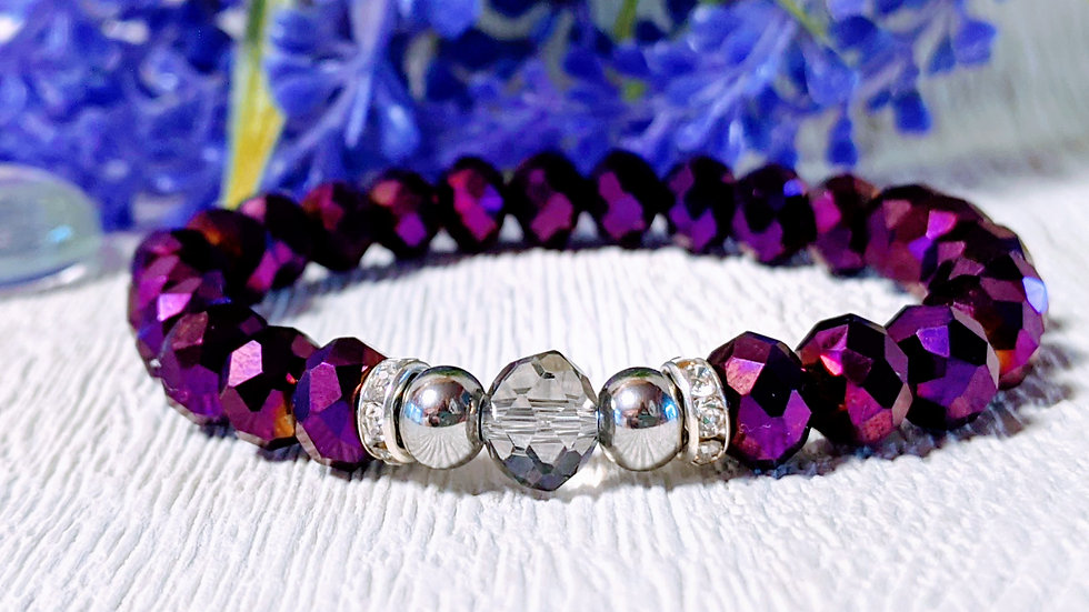 Beautiful purple electroplated beaded stretch bracelet.