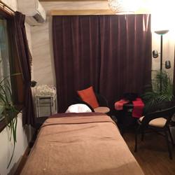 Salon room