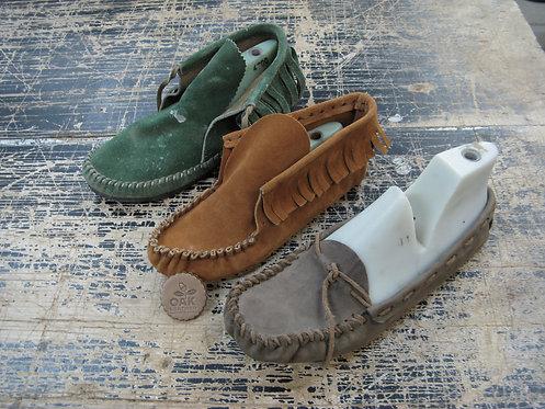 מקדמה לסדנה: סנדלים  מוקסינים נעליים | אלון מרד