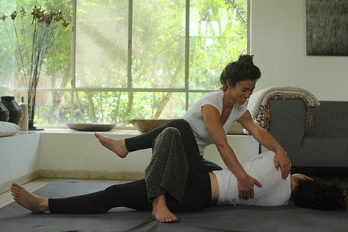 עיסוי יוגה תאילנדי - Thai yoga massage - נעם גזית
