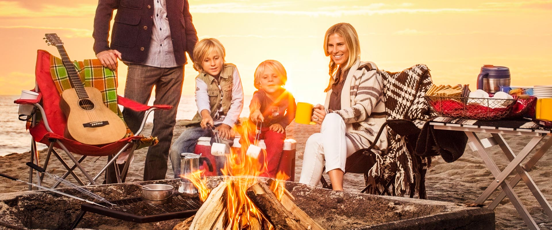 2307_Commercial_photographer__family_beach_smores_DavidTosti 2014