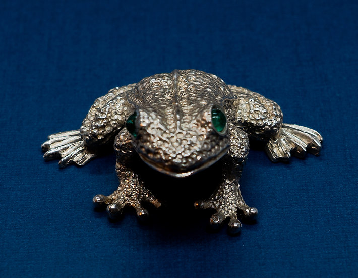 Silver and Emerald frog